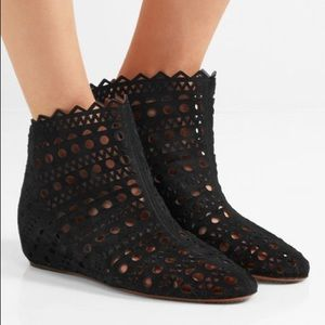 buy cheap hot sale latest sale online Alaïa Laser Cut Suede Ankle Boots cheap how much big discount online clearance fashionable E1ezXV7AoY
